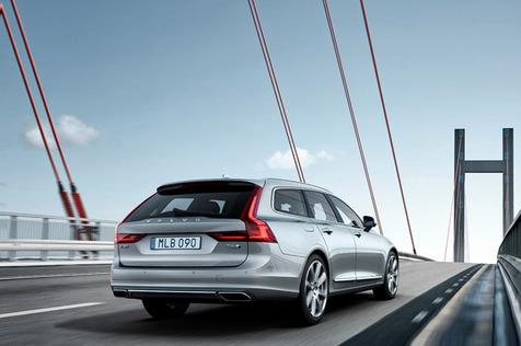 02_Volvo-V90.jpg
