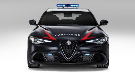 alfa-romeo-giulia-carabinieri-Police-car-07.jpg
